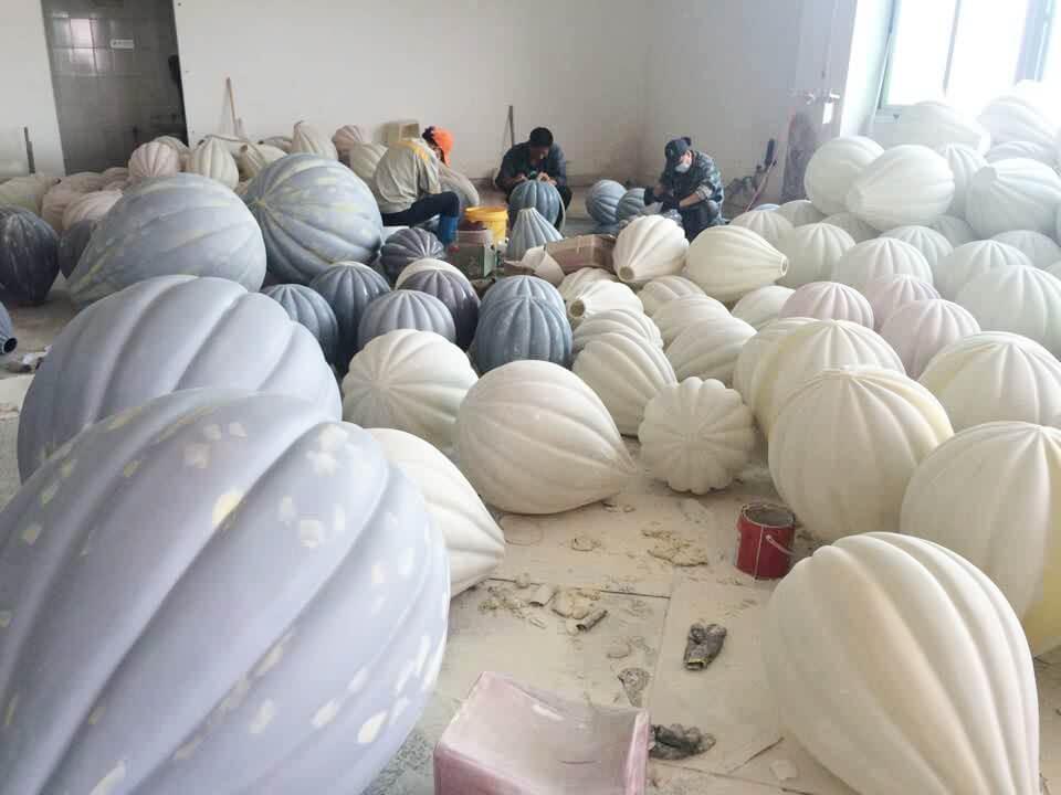 Fiberglass hot air balloon water polishing processing