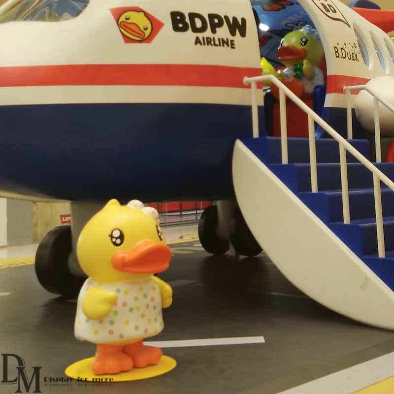 duck figurines