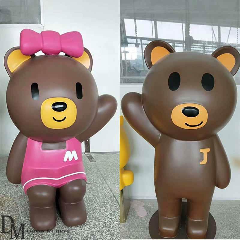 bear figurines