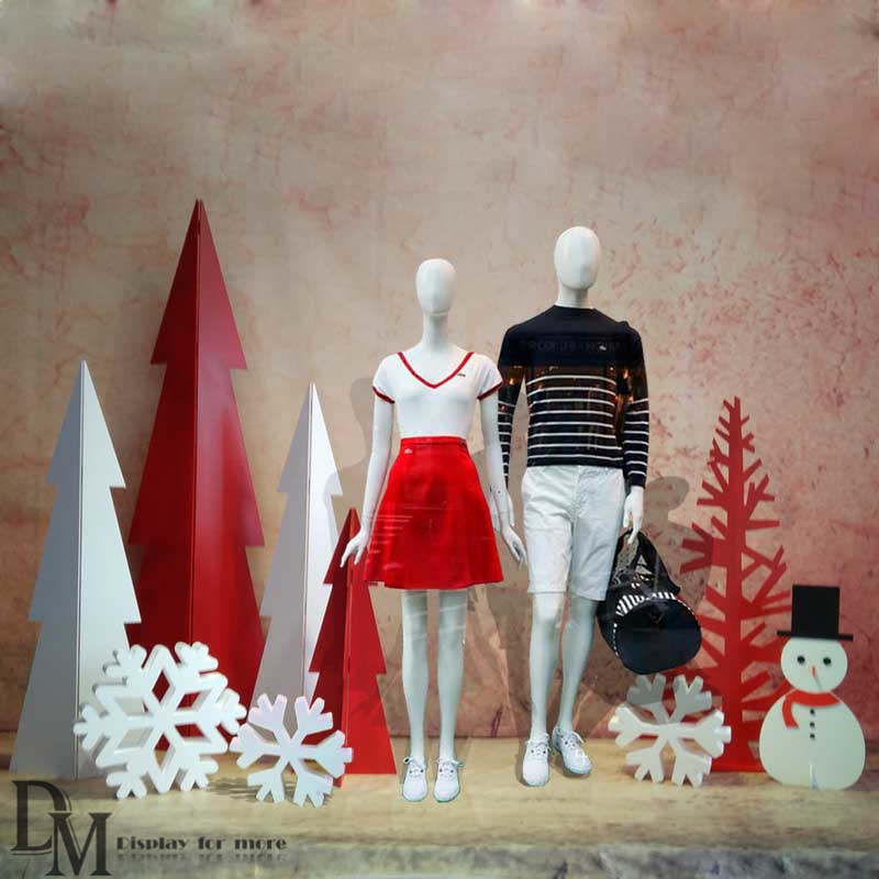 simple Christmas window displays