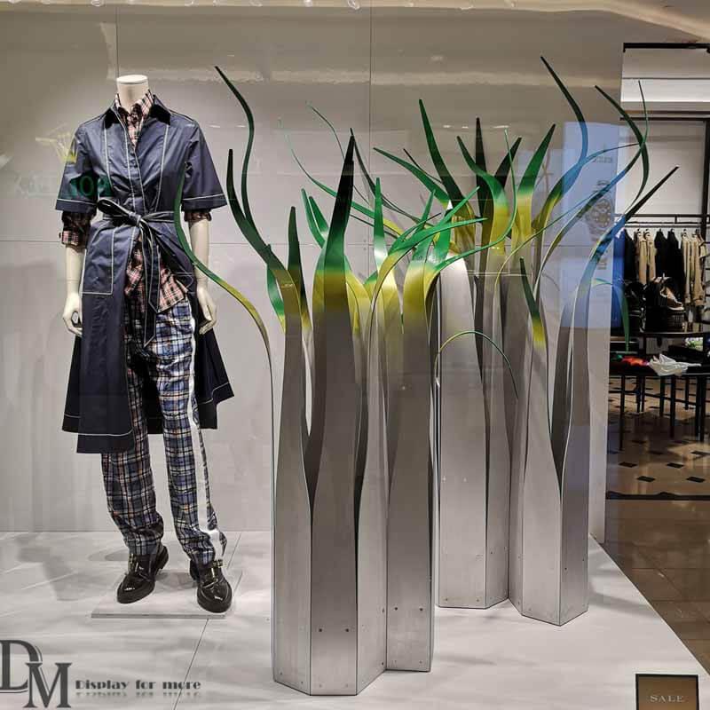 Visual merchandising luxury brands