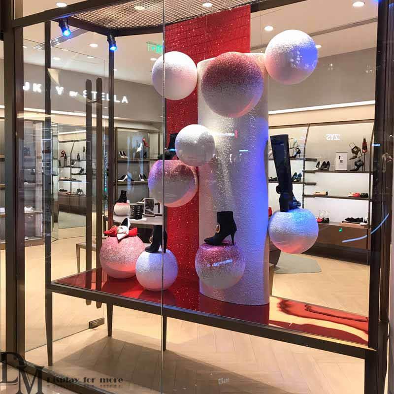creative store display ideas,