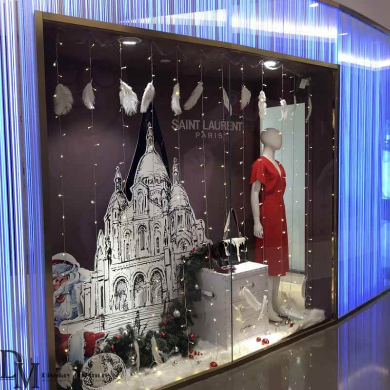 Christmas Shop Window Ideas With Lighting