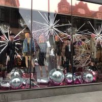 retail christmas window displays