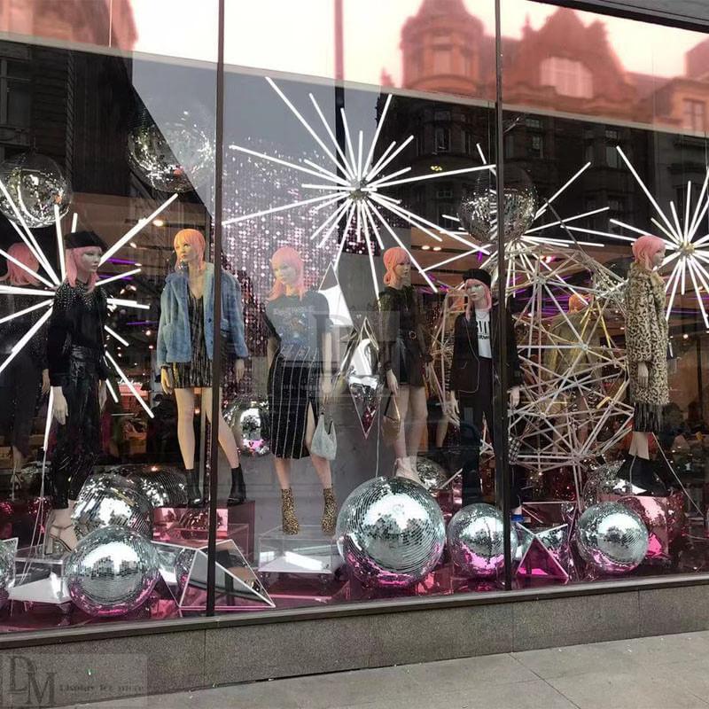 retail christmas window displays
